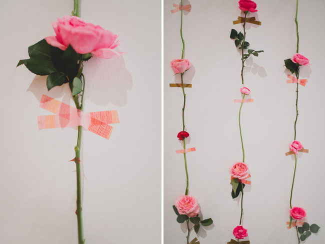 stena-iz-roz-ukrasheniya-svadby-sdelaj-svadbu-svoimi-rukami-1 Креативные фотозоны на свадьбе: делаем фон из феерических завитушек.