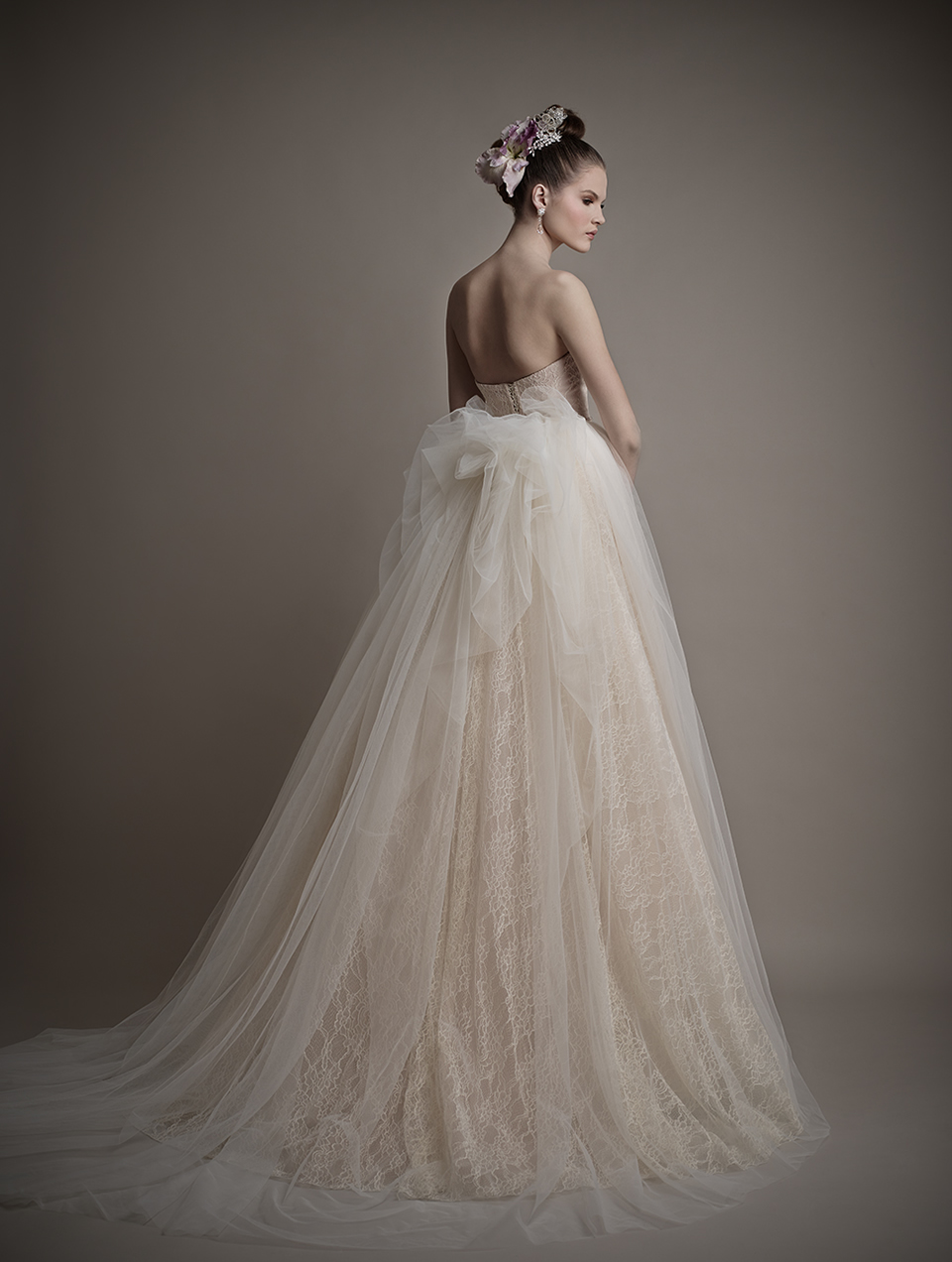 Коллекция свадебных платьев 2015 года от Ersa Atelier8-1