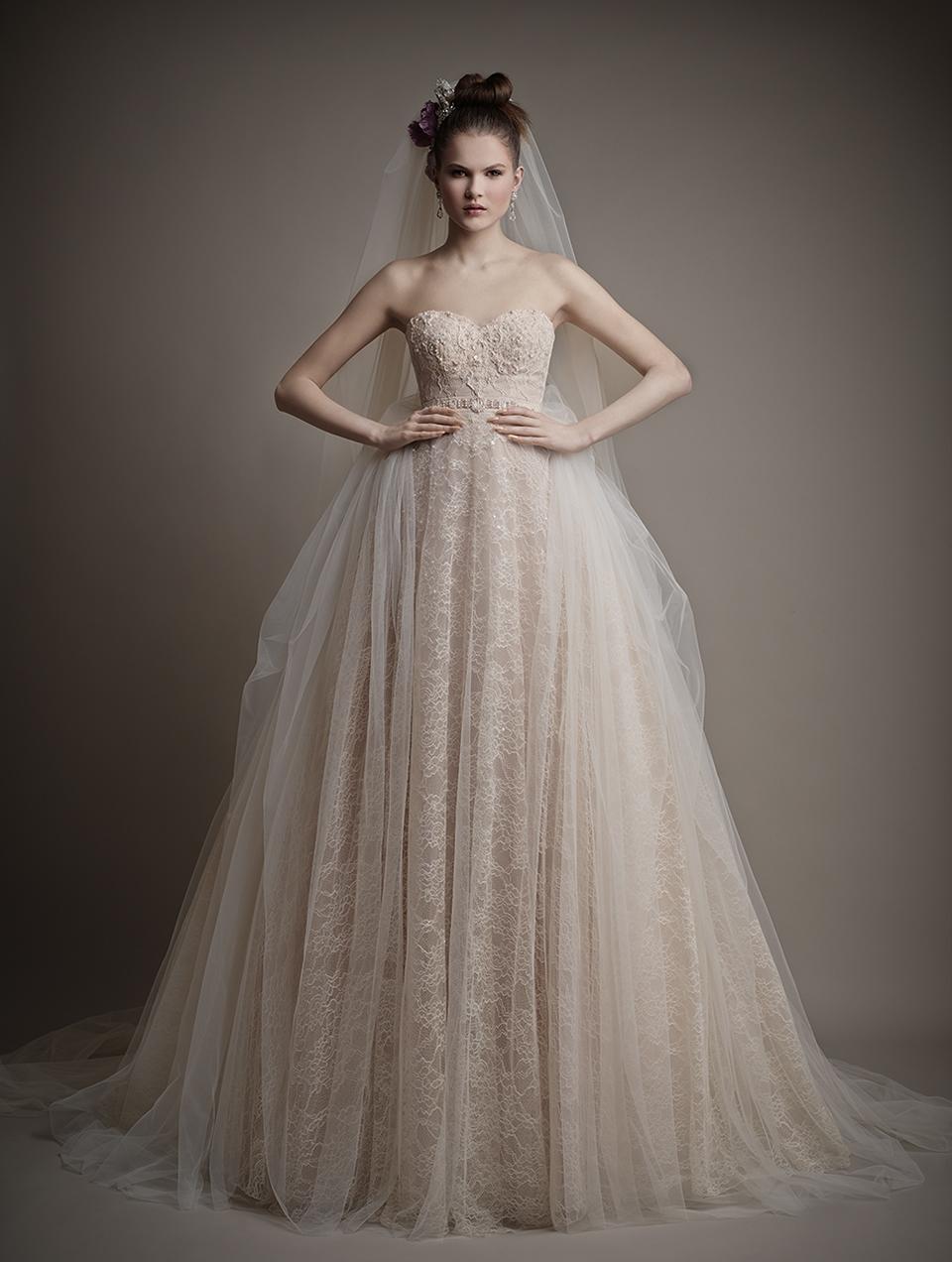 Коллекция свадебных платьев 2015 года от Ersa Atelier8