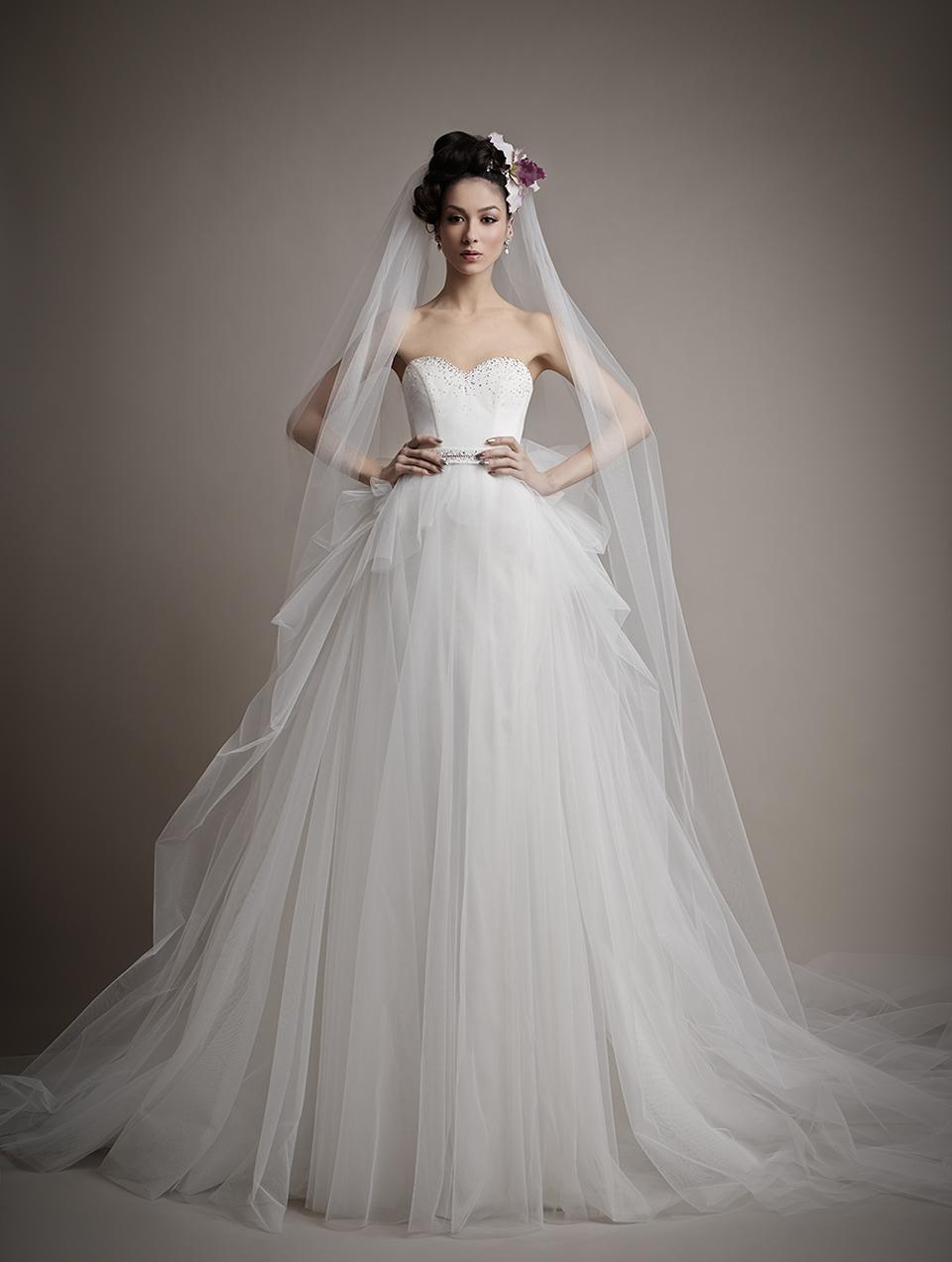 Коллекция свадебных платьев 2015 года от Ersa Atelier9