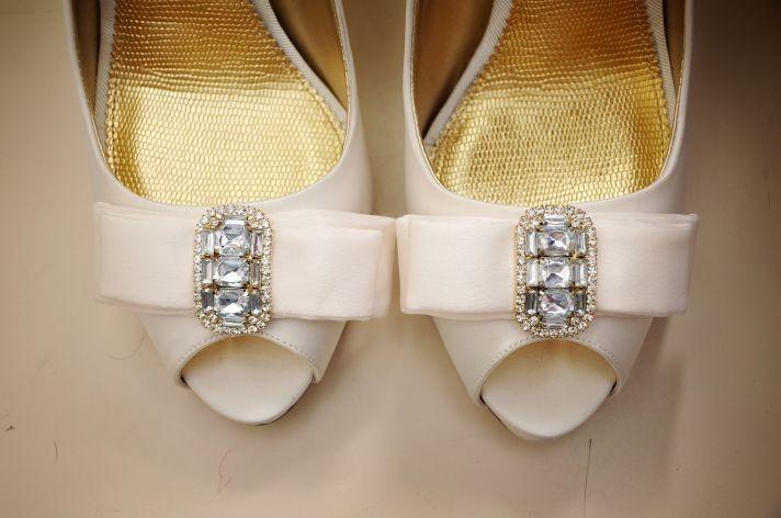 845 Мастер-класс: изящный бантик для свадебных туфель