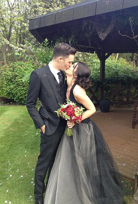 Знаменитости, которые выбрали цветные свадебные платья1