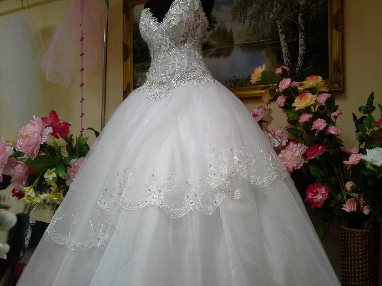 Пышное платье с подъюбником