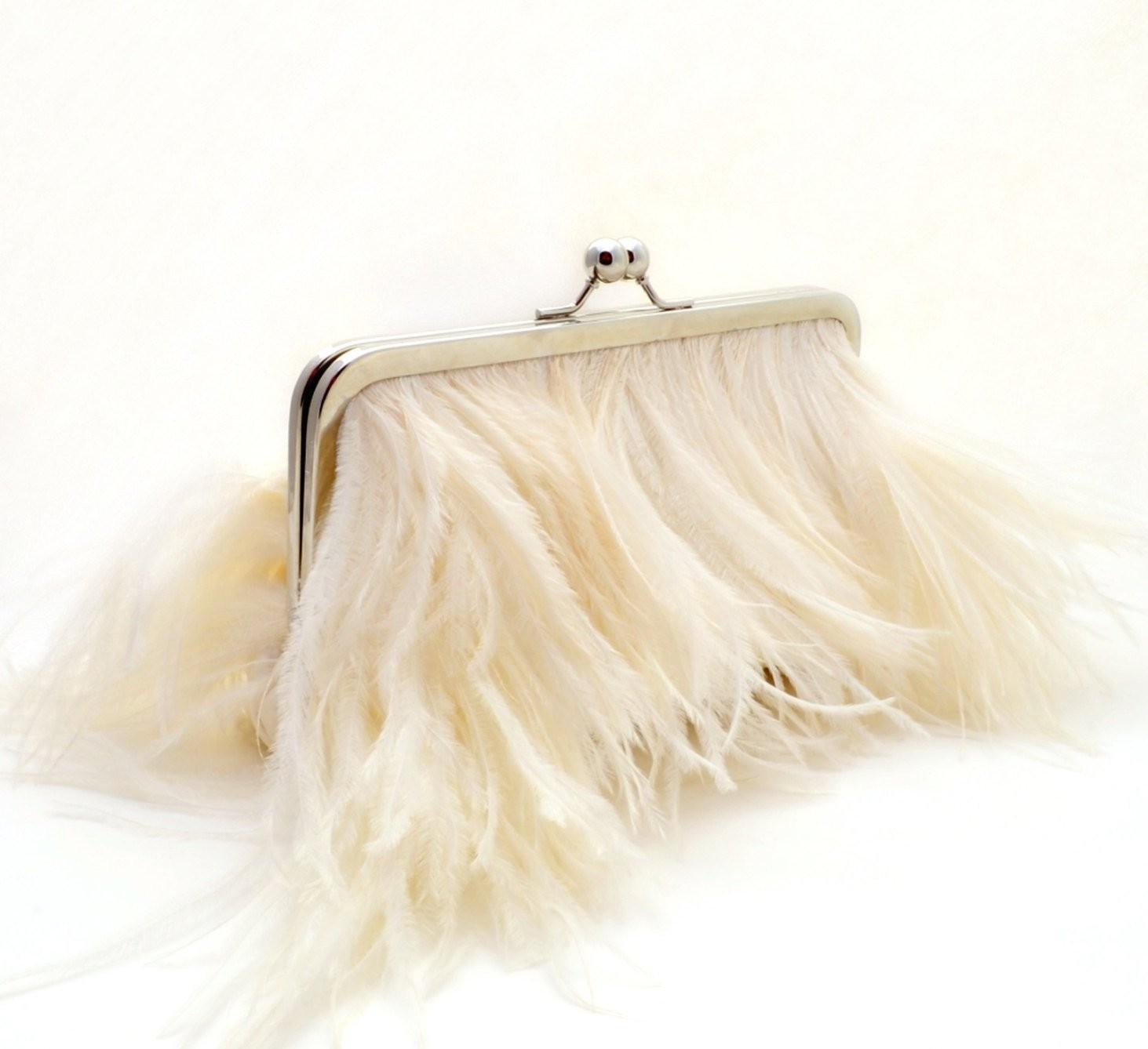 aksessuar-dlya-nevesty Мастер-класс: изящная сумочка с перьями для невесты