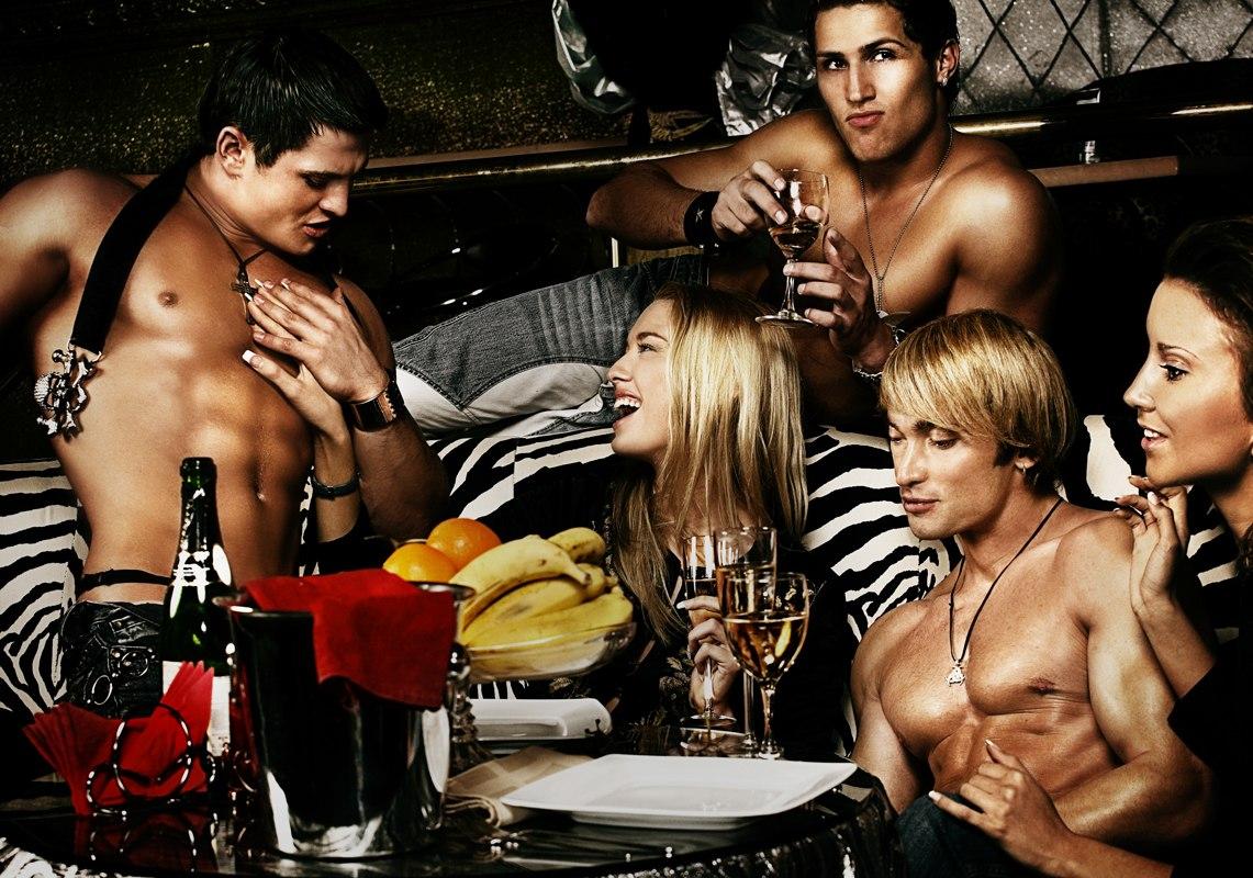 Стриптиз мужской онлайн, смотреть фото голых спортивного телосложения девушек