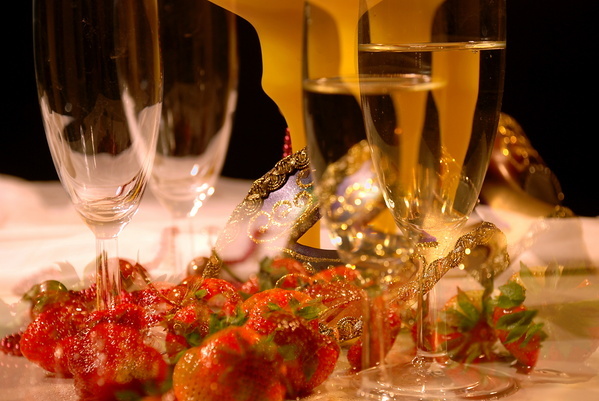 Klubnichnoe-shampanskoe-na-svadbu-6 Шампанское с клубникой на свадьбу