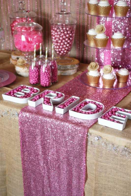 svadebnyj-kendi-bar-v-zolotom-i-rozovom-tsvete-5 Удивительный рустиковый свадебный Кэнди Бар в золотом и розовом цвете для яркой и необычной свадьбы
