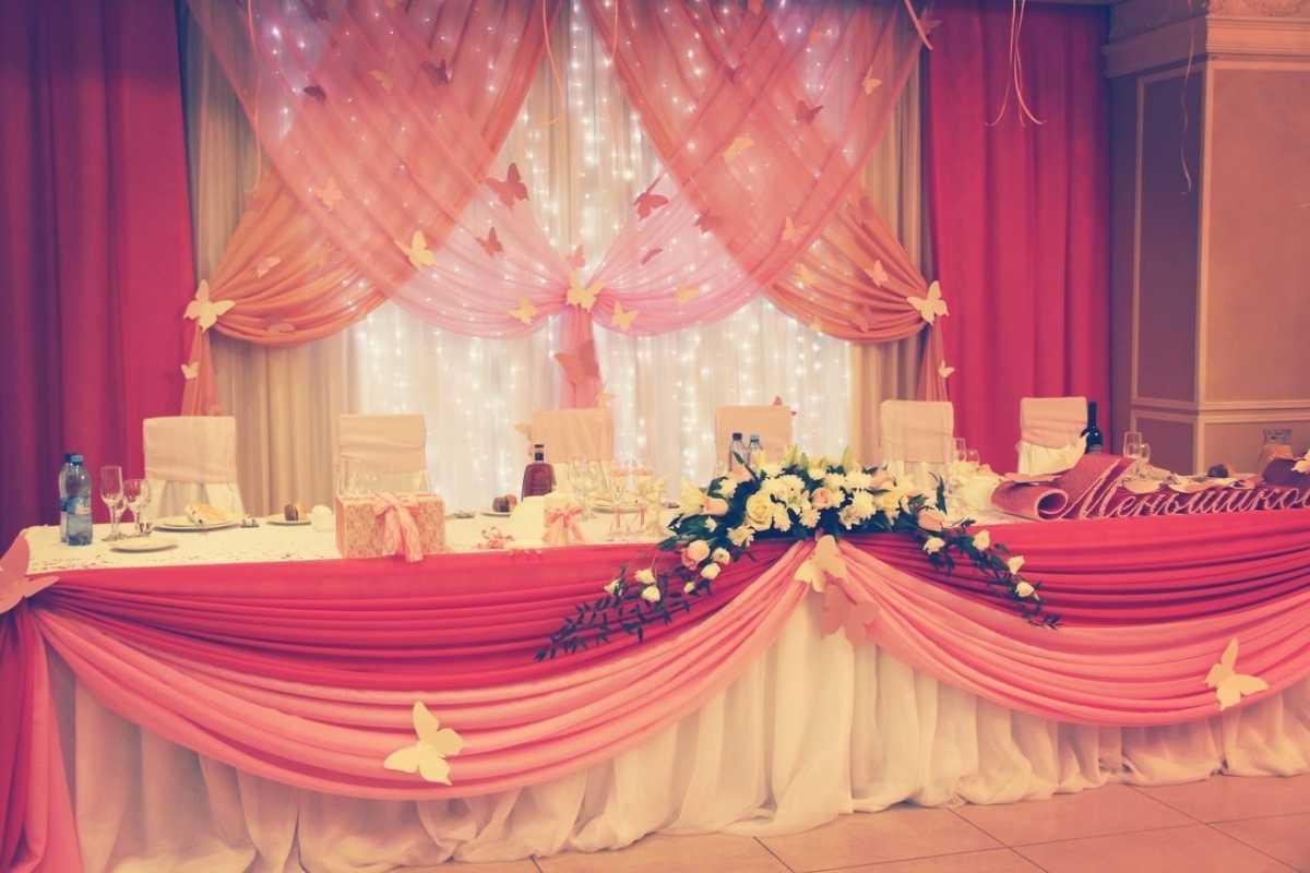 Розовое оформление свадебного зала, как не сделать торжество слишком девчачьем