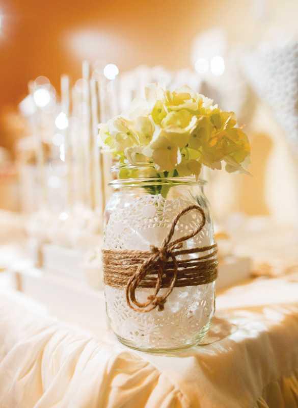 bezhevyj-svadebnyj-Kendi-Bar-9 Спокойный бежевый Кэнди Бар: как организовать и украсить данную свадебную зону?
