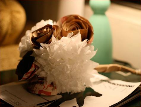 bumazhnye-rozy-dlya-dekora-svadby-105 Делаем своими руками декоративные винтажные розочки из бумажных пакетов