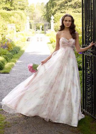 114647svadebnie-platya-s-cvetochnym-printom Свадебные платья с цветочным принтом, очаровательный и модный тренд в свадебной моде