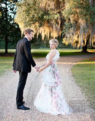 6541-svadebnie-platya-s-cvetochnym-printom Свадебные платья с цветочным принтом, очаровательный и модный тренд в свадебной моде