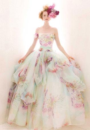 97-svadebnie-platya-s-cvetochnym-printom Свадебные платья с цветочным принтом, очаровательный и модный тренд в свадебной моде