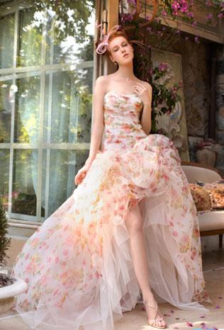 pyshnoe-svadebnie-platya-s-cvetochnym-printom Свадебные платья с цветочным принтом, очаровательный и модный тренд в свадебной моде
