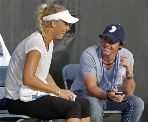 Kak-priglasheniya-na-svadbu-razrushili-brak-golfa-i-tennisa-3 Как приглашения на свадьбу разрушили брак гольфа и тенниса.