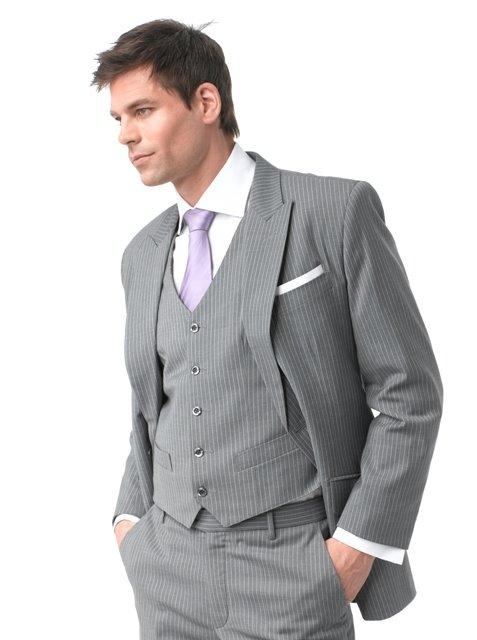 kostyum2 Мужчина «с иголочки» - как выбрать костюм для жениха - правила выбора мужского костюма для свадьбы
