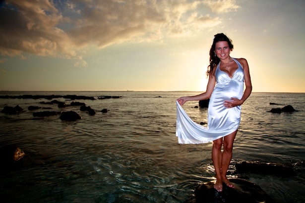 budushhie-mamy-ne-boyatsya-odet-korotkoe-svadebnoe-plate Свадебная мода для беременной невесты: поговорим о платьях для беременных на свадьбу.
