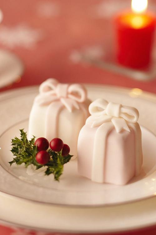 Idei-dlya-zimnej-svadby-tort-podarok5 Идеи для зимней свадьбы: торт подарок