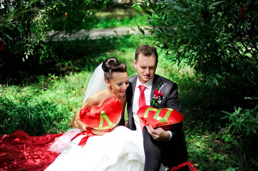 87 Гармоничная и уютная клубничная свадьба