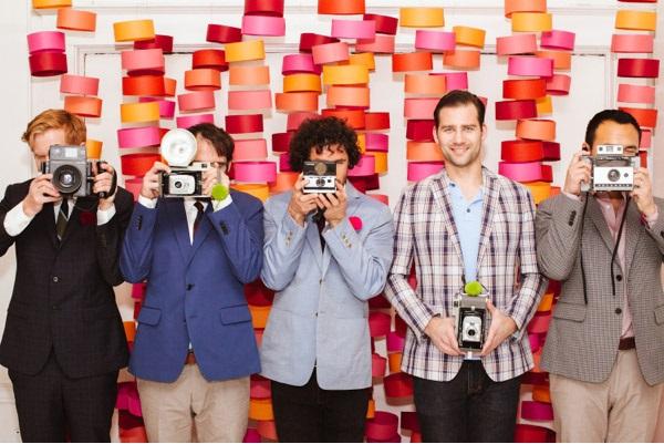 Креативные фотозоны на свадьбе: делаем яркий и приятный фон своими руками.