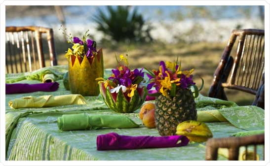 Идея для тропического девичника: ярко, весело и солнечно!