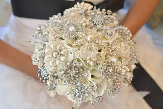 brosh-buket-dlya-svadby Броши в декоре свадебного торжества