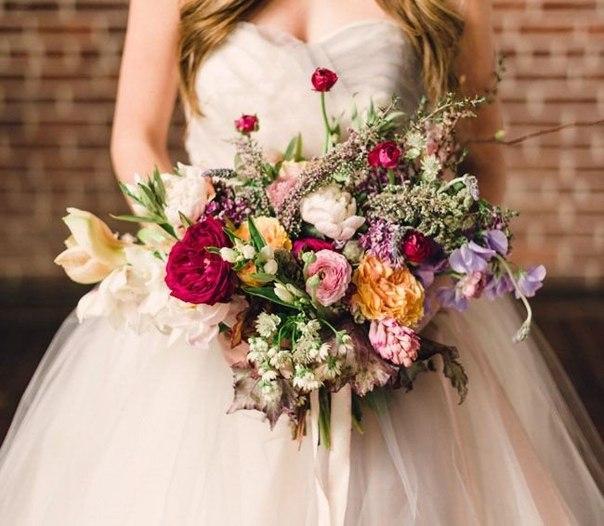 buket-nevesty-rastrepannyj Мода на «растрепанные» свадебные букеты