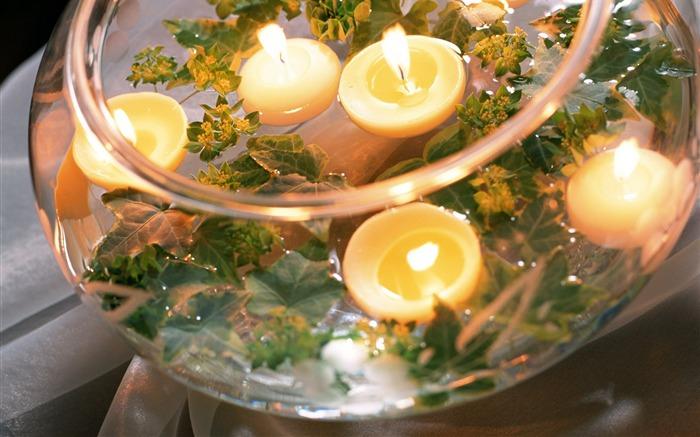 Плавающие свечи в декоре свадебного торжества