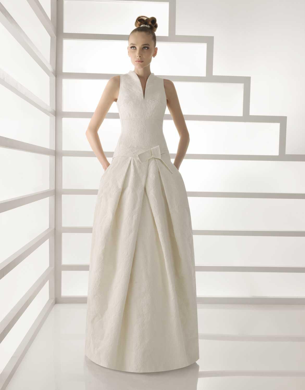 101-bano-ivory-jaquard-high-neck-wedding-dress-rosa-clara-2011.original Фотоподборка свадебных платьев с карманами
