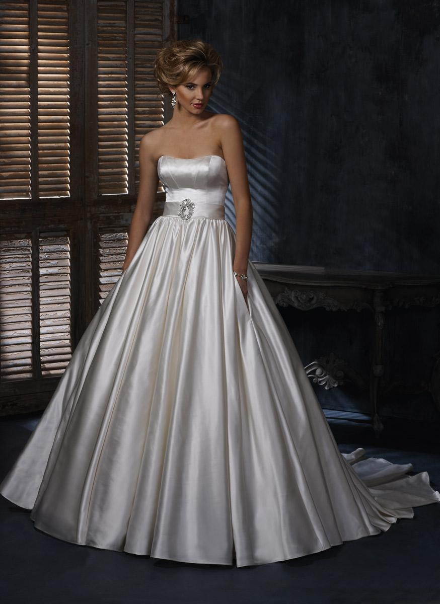 A3445_FRONT Фотоподборка свадебных платьев с карманами