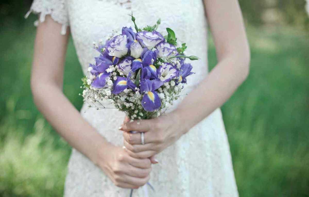 Свадебные букеты с ирисами