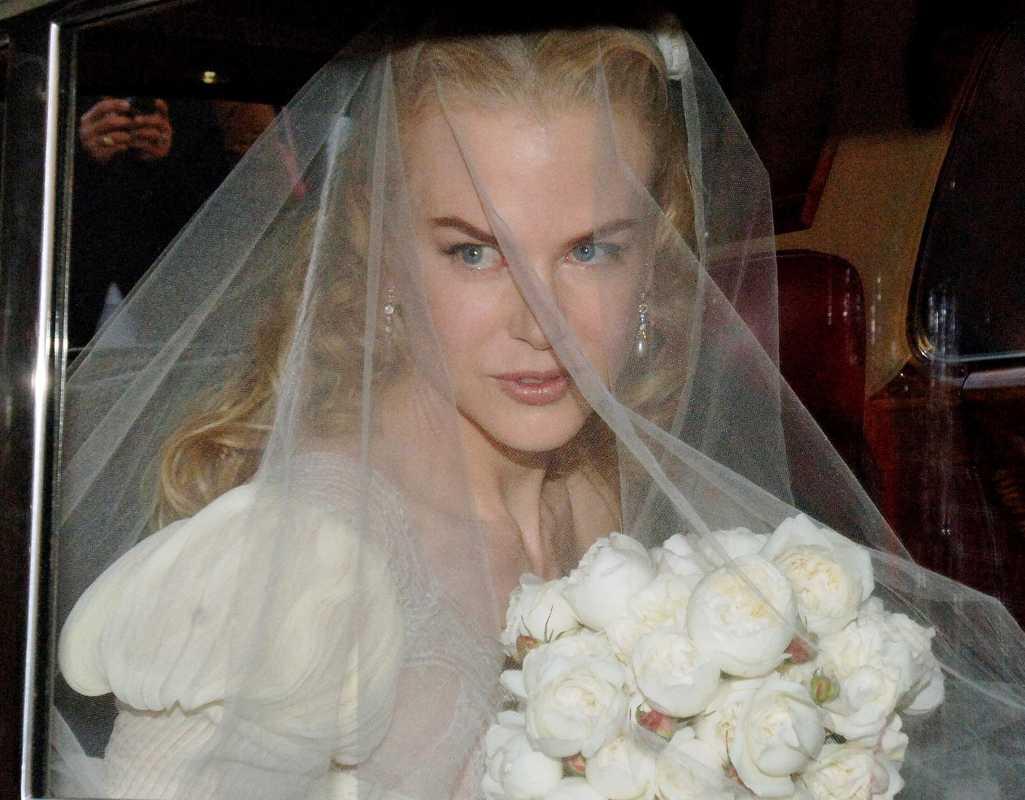 33996_Nicole_Kidman_Wedding_01 Свадебные букеты известных невест, часть 2