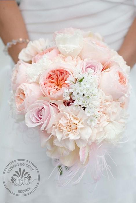 Vesennij-svadebnyj-buket-31 ТОП-24 самых нежных свадебных букета для весенней свадьбы