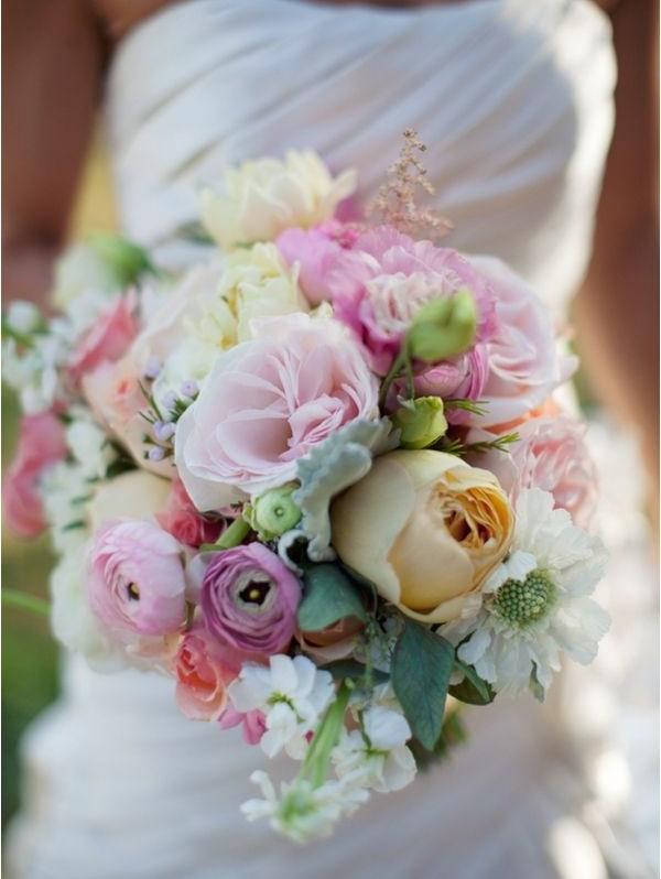 Vesennij-svadebnyj-buket-41 ТОП-24 самых нежных свадебных букета для весенней свадьбы