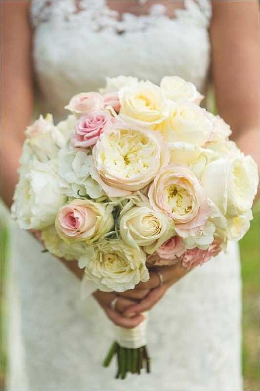 Vesennij-svadebnyj-buket ТОП-24 самых нежных свадебных букета для весенней свадьбы