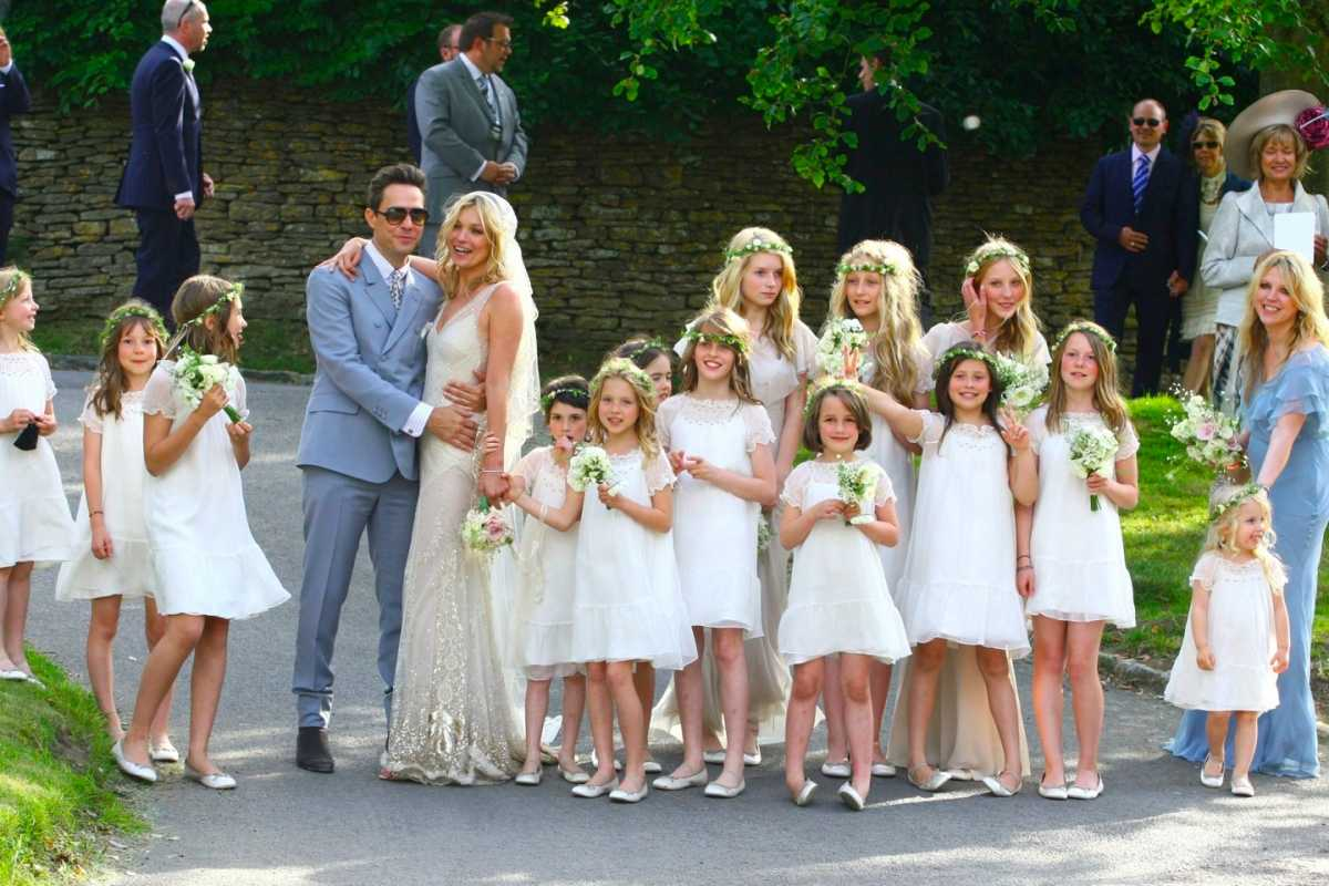 angliyaskaya_svadba_kate_moss_jamie_hince Свадебные букеты известных невест, часть 2