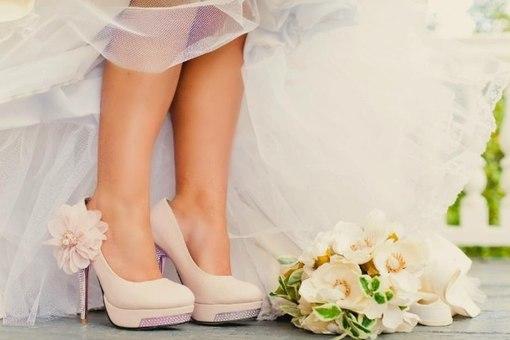 bezhevye-tufelki-dlya-nevesty Бежевые туфли для невесты, стоит ли покупать?