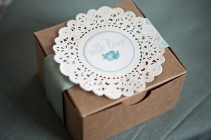 bonbonerki-s-dekorom-iz-azhurnyh-salfetok Ажурные салфетки для создания декора и украшений для свадьбы