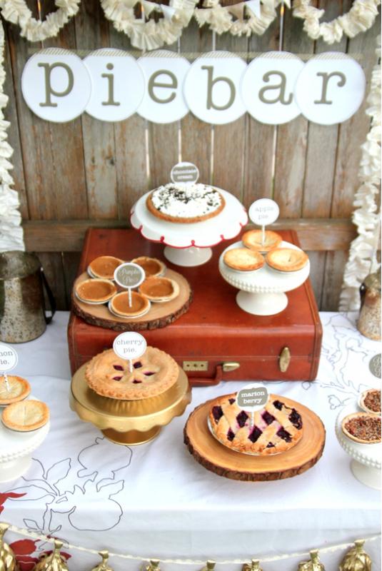 dekor-pie-bar Десертный стол из пышной выпечки для свадебного торжества