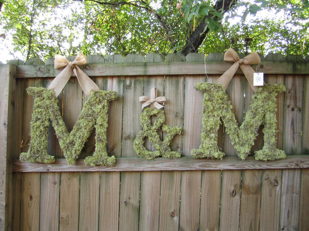eko-bukvy-dlya-oformleniya-svadby Большие буквы в свадебном декоре для оформления свадебного торжества и фотосессии