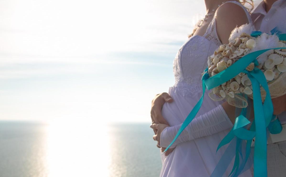 fotosessiya-nevesty-beremennoj Фотосессия беременной невесты на свадьбе