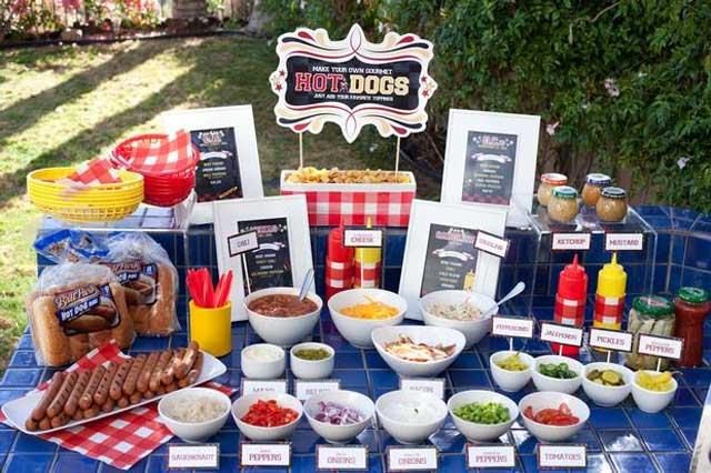 hod-dog-bar ТОП-8 самых удивительных свадебных десертных столов со всего мира