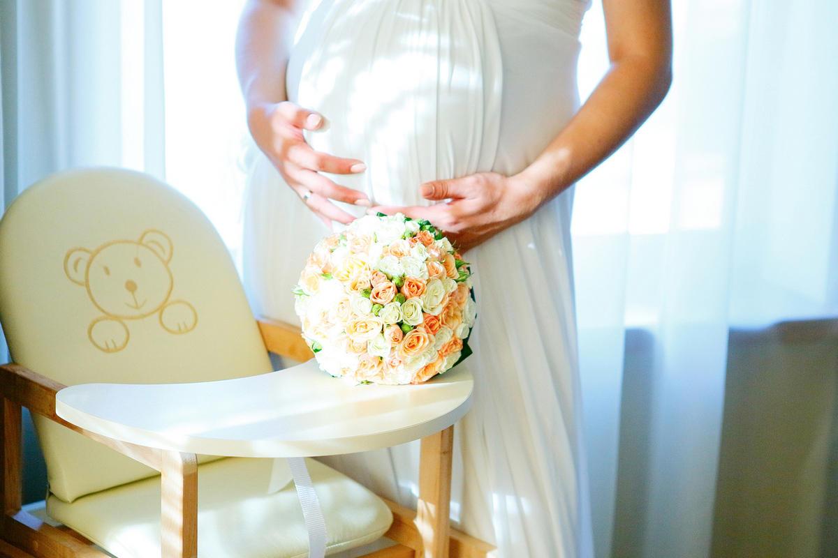 idei-dlya-fotosessii-beremennoj-nevesty Фотосессия беременной невесты на свадьбе