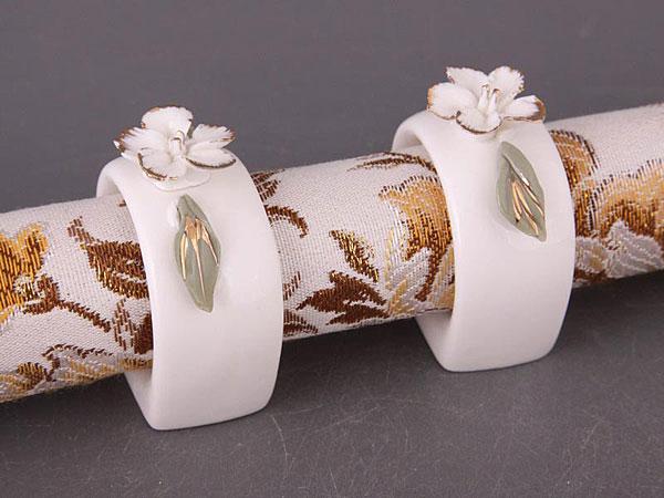 keramicheskie-koltsa-dlya-salfetok ТОП-10 колец для салфеток для сервировки свадебного стола