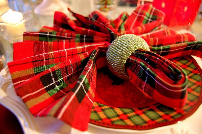 koltsa-dlya-salfetok-s-biserom ТОП-10 колец для салфеток для сервировки свадебного стола