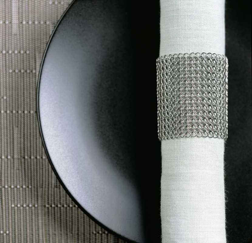 koltsa-dlya-salfetok-tsepochka ТОП-10 колец для салфеток для сервировки свадебного стола