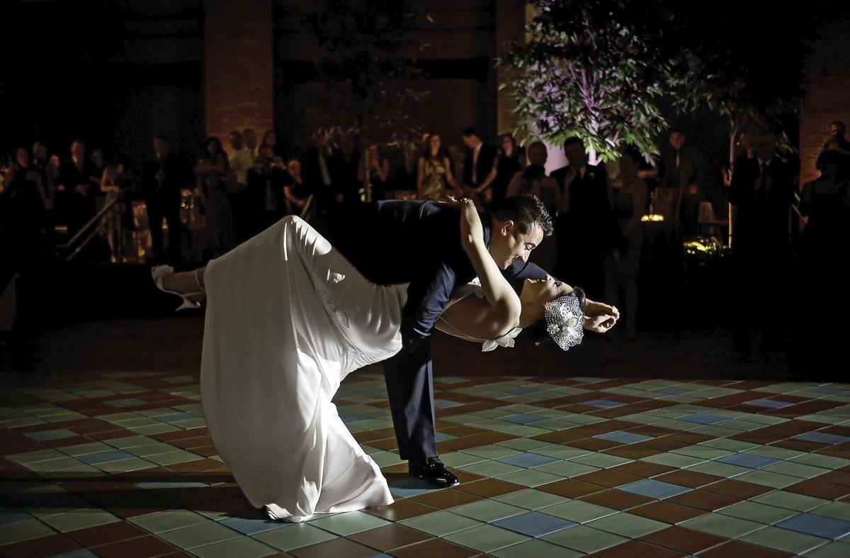 nochnaya-svadebnaya-fotosemka Свадебная фотосессия ночью: несколько советов от свадебных фотографов