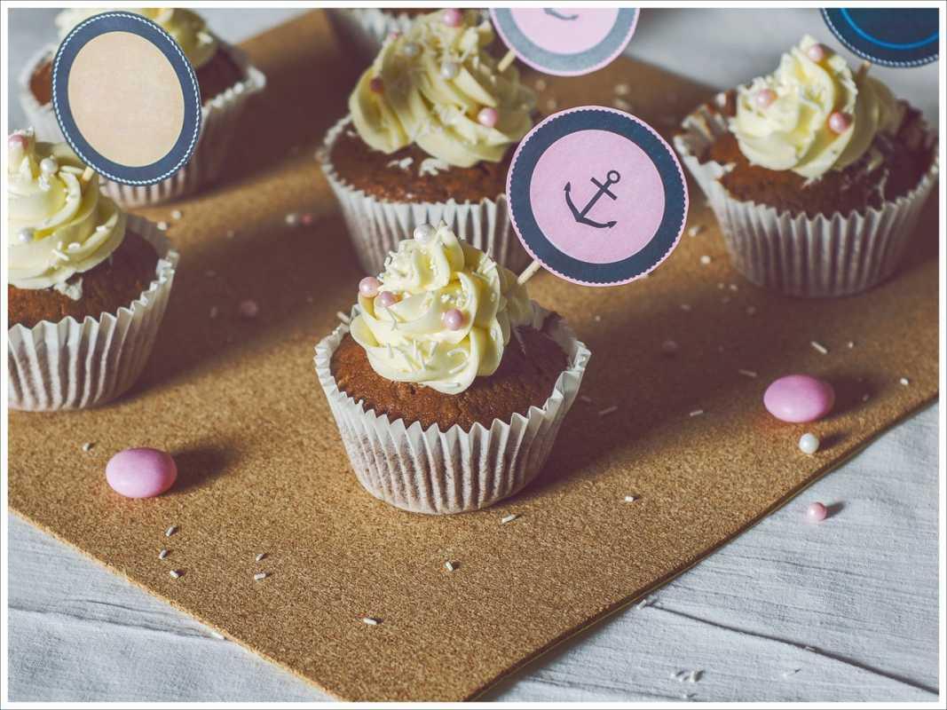 pirozhenki-dlya-desertnogo-stola-na-svadbu Сладкий десертный стол для свадьбы, какой выбрать?