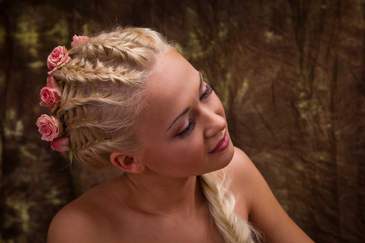 свадебные прически на основе кос своими руками