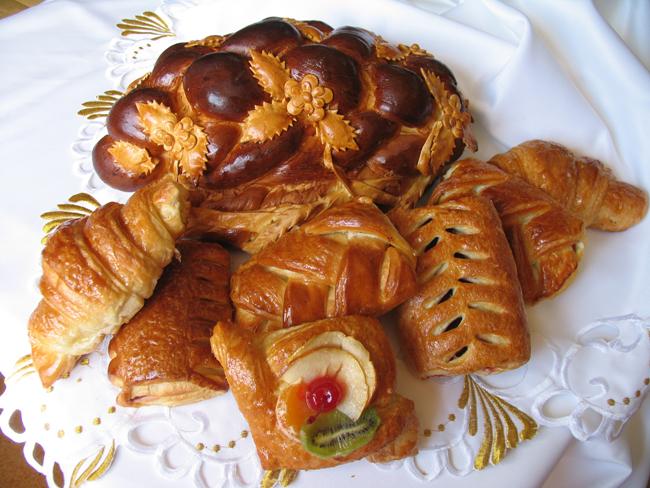 russkaya-natsionalanya-vypechka Как создать десертный стол для свадьбы в русском стиле без привлечения оформителей?